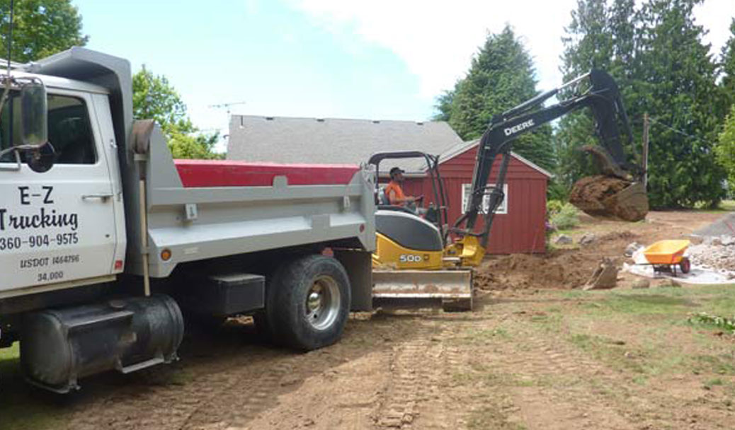 Gravel delivery ez trucking vancouver wa for Topsoil delivery